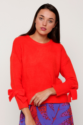 Round Neck Sweater with Long Sleeves and Bow Detail